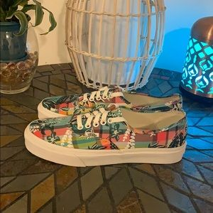Vans Floral Plaid Turquoise Sneakers Size 9 NWB